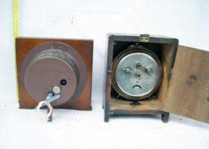 Ξύλινα επιτραπέζια ρολόγια