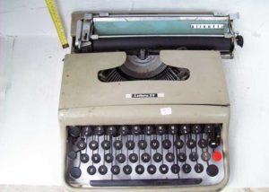 Γραφομηχανή Lettera 22