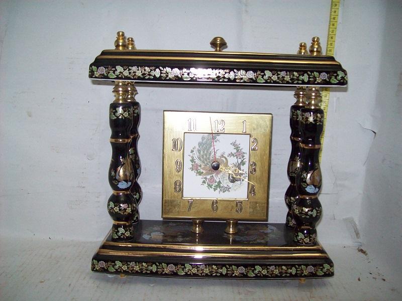 Πορσελάνινο επιτραπέζιο ρολόι